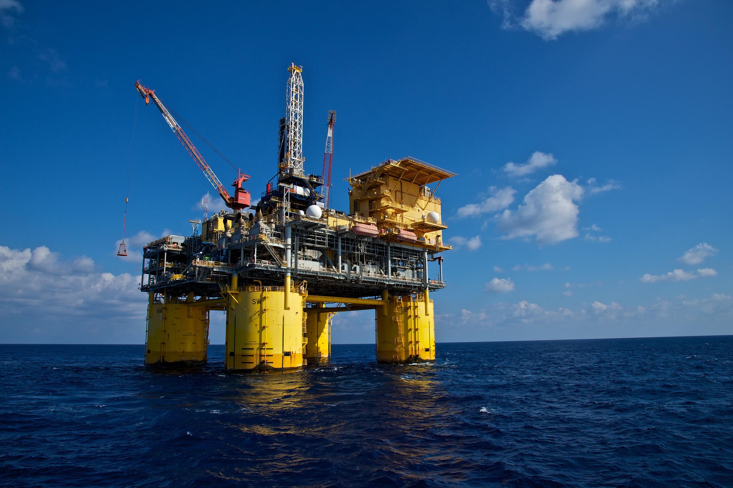 operating offshore unique threats - HD2500×1664